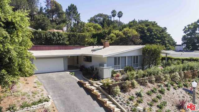 9450 Lloydcrest Dr Beverly Hills, CA 90210
