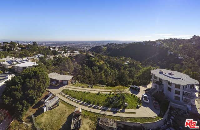 2425 Mount Olympus Dr Los Angeles, CA 90046