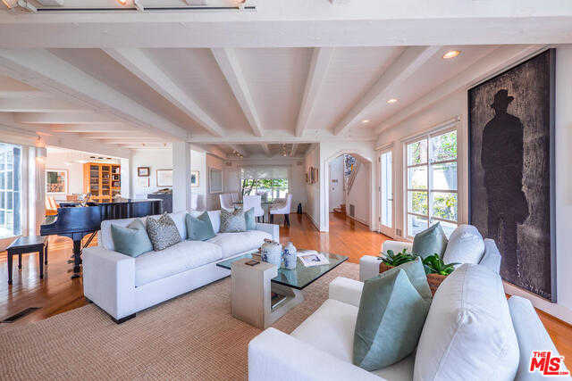 17751 TRAMONTO DR PACIFIC PALISADES, CA 90272