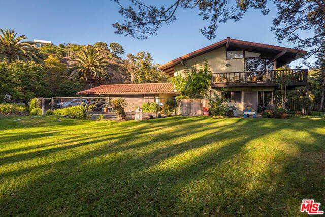 15951 Alcima Ave Pacific Palisades, CA 90272