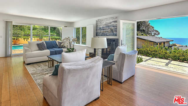 212 Surfview Dr Pacific Palisades, CA 90272