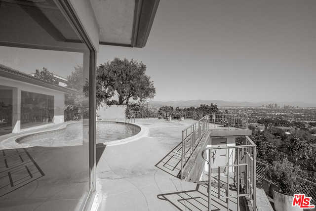 4054 Mantova Dr Los Angeles, CA 90008