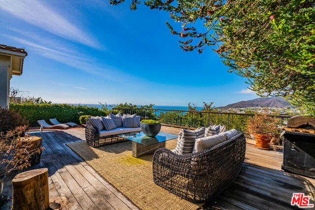 221 Tranquillo Rd Pacific Palisades, CA 90272