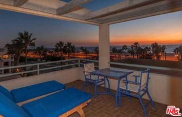$8,750,000 - 3Br/4Ba -  for Sale in Santa Monica