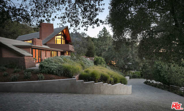 $11,750,000 - 5Br/Ba -  for Sale in Pacific Palisades