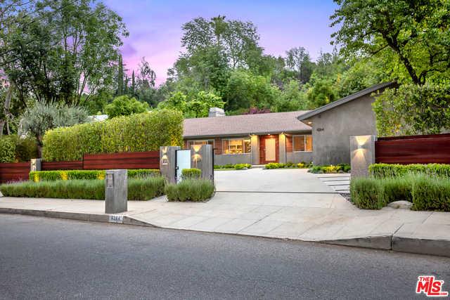 4264 Hayvenhurst Ave Encino, CA 91436