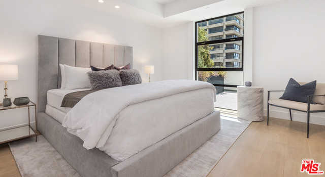 $1,248,000 - 1Br/Ba -  for Sale in Los Angeles