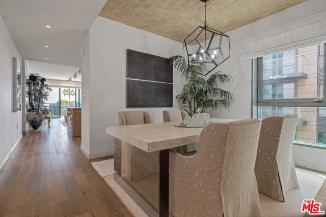 $3,850,000 - 2Br/2Ba -  for Sale in Santa Monica