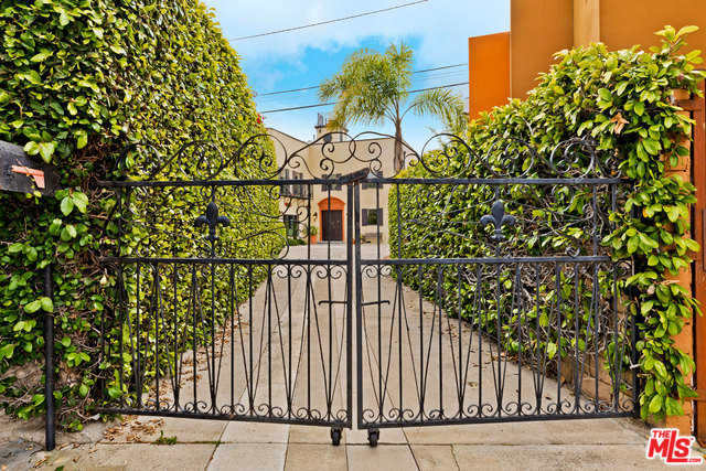 $3,495,000 - 5Br/4Ba -  for Sale in Los Angeles