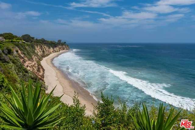 $25,000,000 - 5Br/6Ba -  for Sale in Malibu