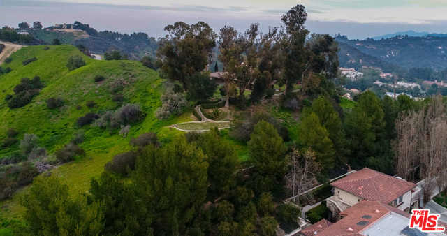 $25,000,000 - 2Br/2Ba -  for Sale in Beverly Hills