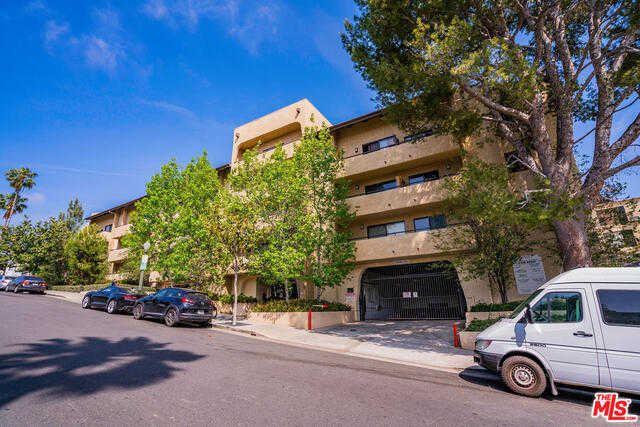 $525,000 - 1Br/1Ba -  for Sale in Los Angeles