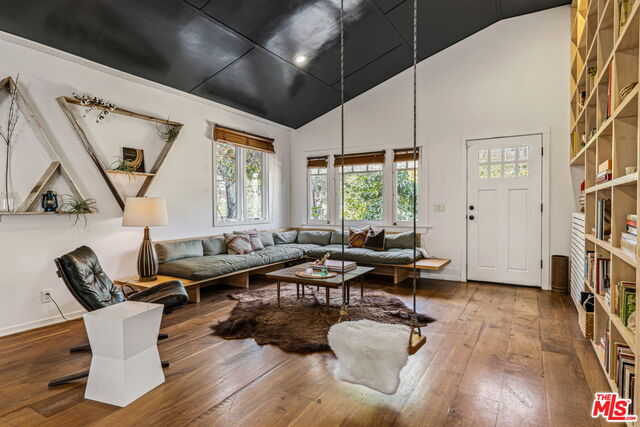 $4,300,000 - 4Br/5Ba -  for Sale in Venice