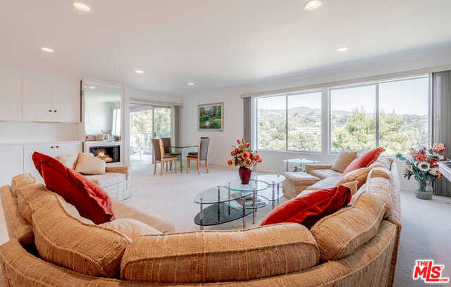 17339 Tramonto Dr Apt 302 Pacific Palisades, CA 90272