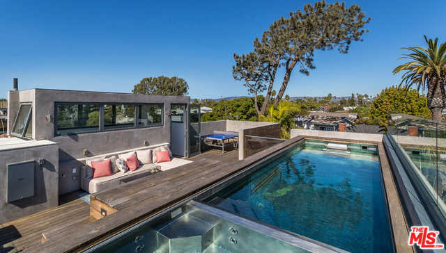 $5,300,000 - 3Br/3Ba -  for Sale in Venice