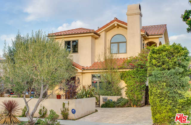 $2,194,000 - 4Br/3Ba -  for Sale in Los Angeles
