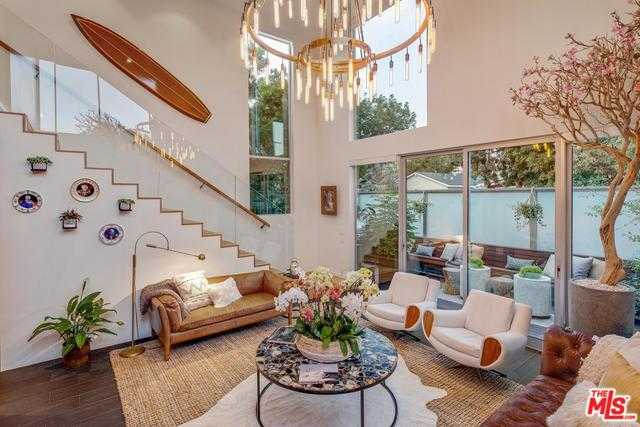 $4,350,000 - 3Br/3Ba -  for Sale in Venice