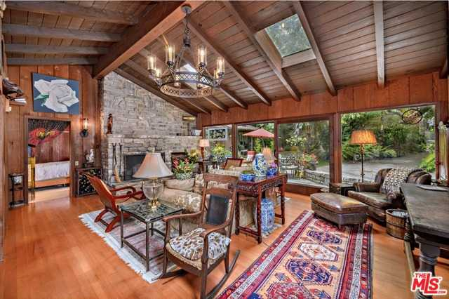 $8,488,000 - 5Br/4Ba -  for Sale in Pacific Palisades