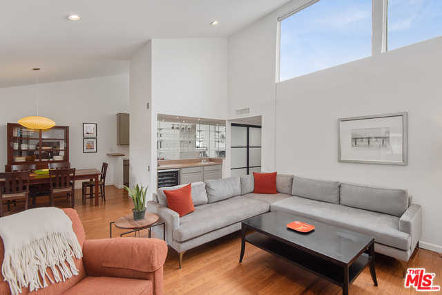 $799,000 - 2Br/2Ba -  for Sale in Los Angeles