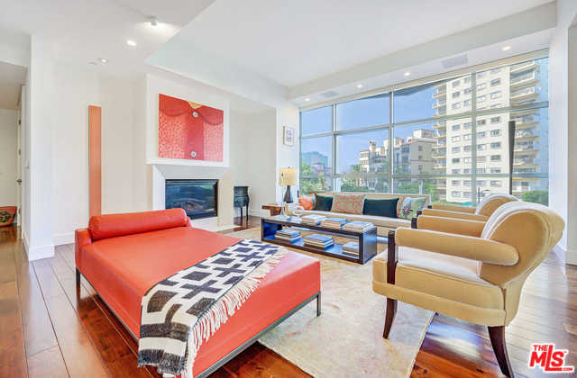$2,699,999 - 2Br/3Ba -  for Sale in Los Angeles