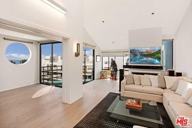 $3,000,000 - 2Br/2Ba -  for Sale in Santa Monica