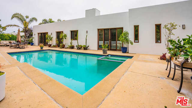 $3,650,000 - 4Br/5Ba -  for Sale in Pacific Palisades