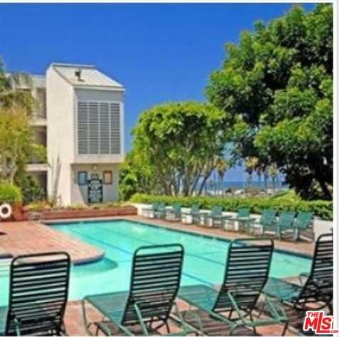 $1,100,000 - 2Br/2Ba -  for Sale in Santa Monica