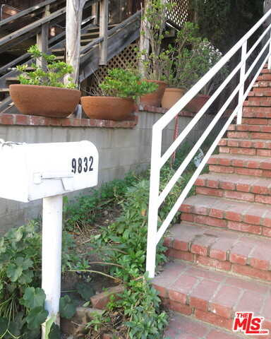 $1,299,000 - 3Br/3Ba -  for Sale in Beverly Hills