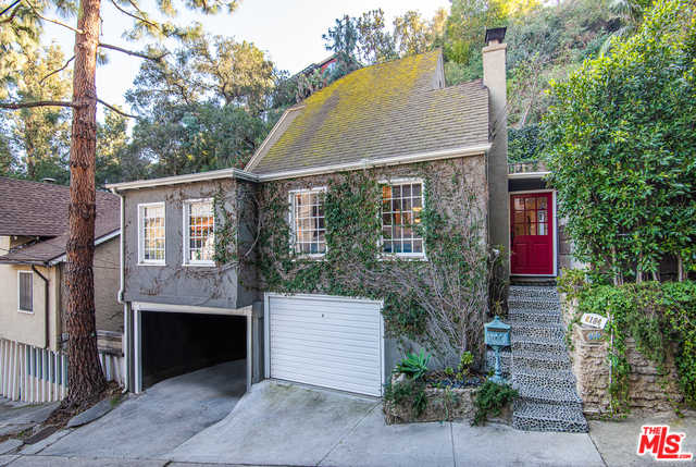 $1,095,000 - 2Br/1Ba -  for Sale in Los Angeles