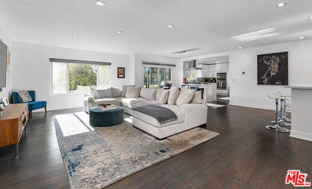 $1,179,000 - 2Br/2Ba -  for Sale in Los Angeles