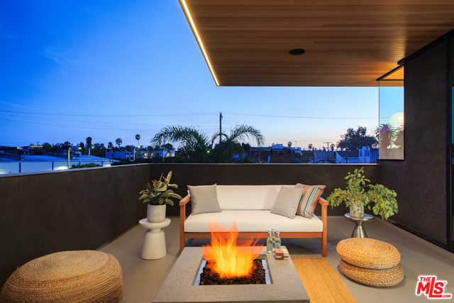 $4,500,000 - 4Br/4Ba -  for Sale in Venice