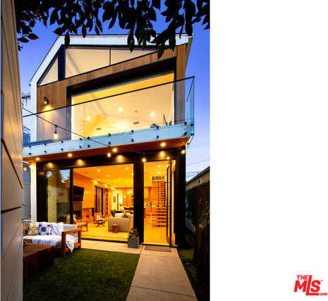 $2,995,000 - 4Br/3Ba -  for Sale in Santa Monica