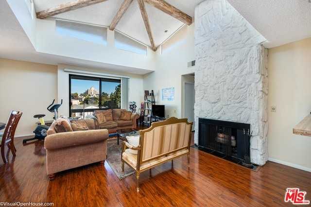 $750,000 - 2Br/2Ba -  for Sale in Los Angeles