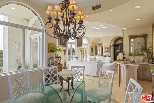 $2,895,000 - 4Br/5Ba -  for Sale in Los Angeles