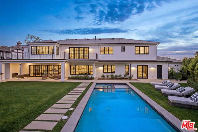 $13,900,000 - 6Br/8Ba -  for Sale in Pacific Palisades