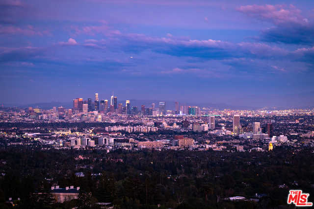 $5,995,000 - 4Br/Ba -  for Sale in Los Angeles