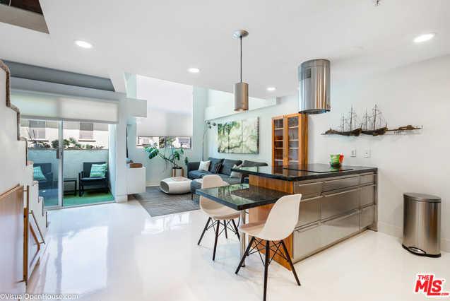 $850,000 - 1Br/2Ba -  for Sale in Santa Monica