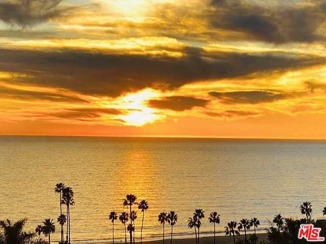 $579,000 - 2Br/2Ba -  for Sale in Pacific Palisades