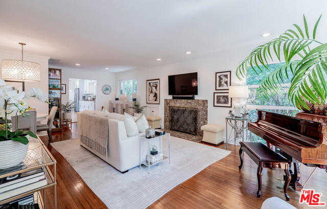 $9,300 - 3Br/3Ba -  for Sale in Pacific Palisades