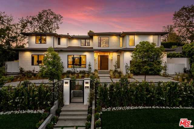 $9,750,000 - 5Br/7Ba -  for Sale in Pacific Palisades