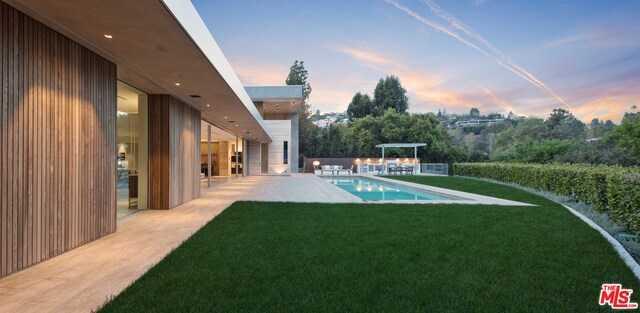 600 Perugia Way Los Angeles, CA 90077