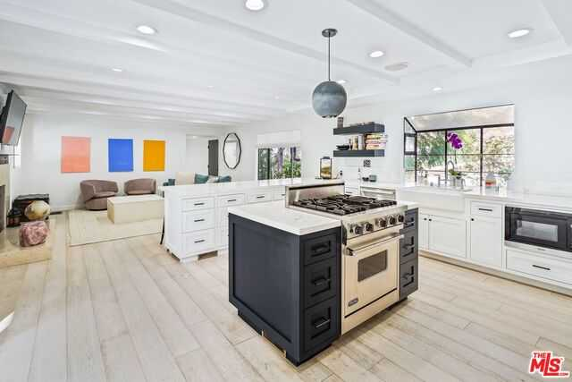 $2,350,000 - 2Br/4Ba -  for Sale in Beverly Hills