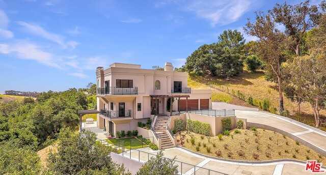 $3,995,000 - 5Br/4Ba -  for Sale in Malibu