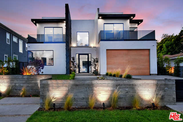 $3,095,000 - 4Br/5Ba -  for Sale in Los Angeles