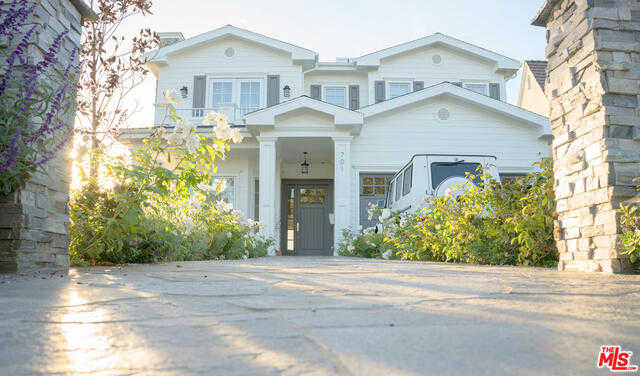 $7,200,000 - 5Br/7Ba -  for Sale in Pacific Palisades