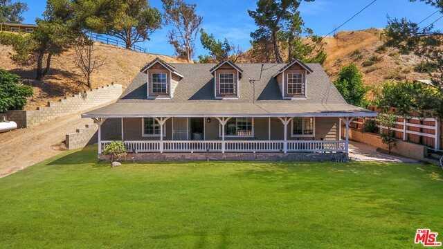 $485,000 - 3Br/Ba -  for Sale in Santa Clarita