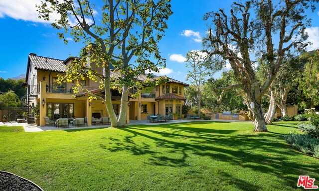 $8,900,000 - 7Br/Ba -  for Sale in Pacific Palisades