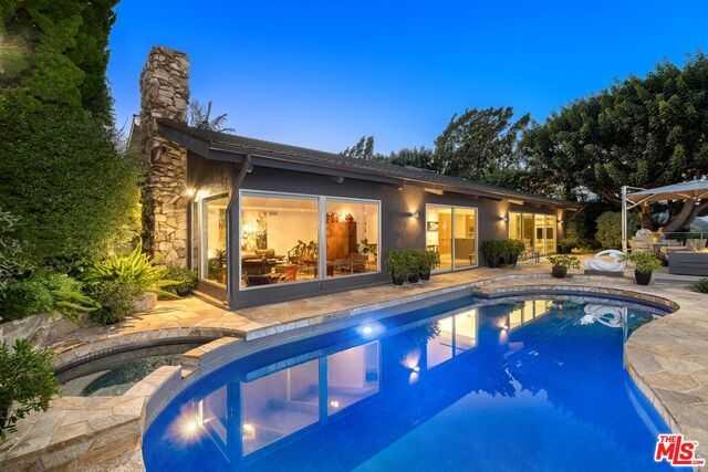 2436 Westridge Rd Los Angeles, CA 90049