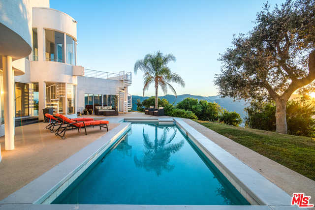 $4,995,000 - 4Br/Ba -  for Sale in Pacific Palisades