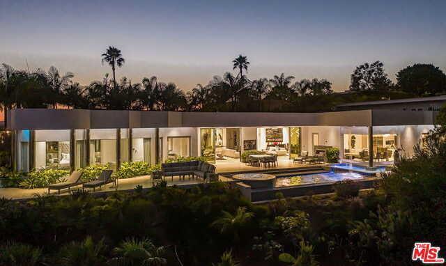 440 Martin Ln Beverly Hills, CA 90210